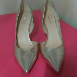 New Nine West Soft Gold Metallic Shoes 12